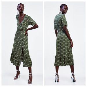 NWT. Zara Green Polka Dot Print Dress. Size M.